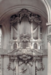 Ancien orgue G. Silbermann de la Frauenkirche de Dresde avant destruction en 1945. Crédit: L'orgue, Office du livre, Fribourg, 1984