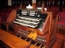 Ancienne console de l'orgue de Louisville. Crédit: http://organsociety.bsc.edu/BrowseKeydesks.php