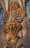 Grand orgue, cathédrale Strasbourg. Source: https://creativecommons.org/licenses/by-sa/3.0/ , File:Strasbourg Cathedral Organ - Diliff.jpg . Auteur: David Iliff